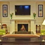 Hotel Lobby: Holiday Inn Express & Suites : Porterville