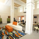 Photo de Holiday Inn Express Hotel & Suites Festus - South St. Louis