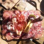 dejeuner dans la bergerie de théo dans les gorges de la restonica