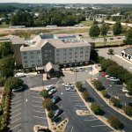 Hotel ariel View! (Right off of exit 25 and I-77) - 1 Mile from Birkdale Village!