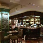 Отличный паб с атмосферой, понятная и качественная кухня и пожалуй лучшее пиво в Златоглавой!  У