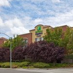 Photo de Holiday Inn Express Suites Belmont