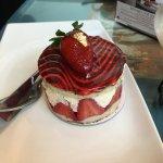 My cake - tasty fresh strawberries and cream