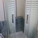 Room Kirke B1 Shower