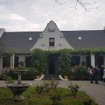 Photo de The Oak and Vine Guest House