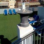 Azotea del hotel cuenta con piscina, solarium y gimnasium