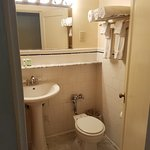 Bathroom room 208