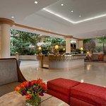 Foto de Embassy Suites by Hilton San Francisco Airport - South San Francisco