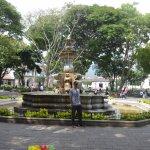 Parque central con su hermosa fuente