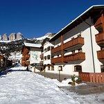 Photo of Aritz Garni Hotel