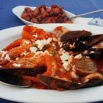 Морепродукты в соусе саганаки (блюдо острое)