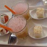 Amuse-bouche :chamallows noisettes, rillettes thon épicées, gaspacho, émulsion pastèque.