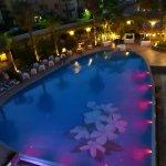 Piscina del hotel Caesar Palace en Giardini Naxos