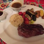 « Magret » : Steaklet of duck (350/400 g) with 2 sauces and 4 side dishes