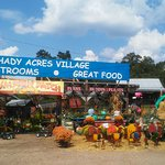 Shady Acres Village Foto