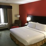 Photo de Holiday Inn Express Hotel & Suites Brownsville