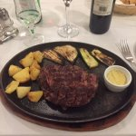 Grilled Rib-Eye with potatoes and zucchini