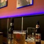 Japanisches Bier ''Asahi Super Dry'' und vietnamesisches Bier ''Saigon Export''