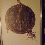 Pieczęć z herbem Piastów - rozpoczyna wystawę herbów