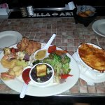 Island seafood platter with crab mac & cheese!