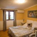 Hotel Via Fiorita guest room