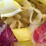 00-40-33-cropped-18-Huevos-con-Jaçon-serrano-y-patatas_large.jpg
