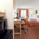 Photo of La Quinta Inn & Suites Garden City