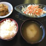 Kimchi (top left), Cabbage With Thousand Island Dressing (top right), rice (bottom left) and Mis