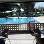 Het nieuwe zonneveld aan het zwembad