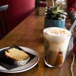 Nossa Specialty coffee with homemade cake