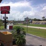 Photo of Econo Lodge  Inn & Suites Maingate Central