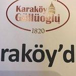 Karaköy Güllüoğlu resmi