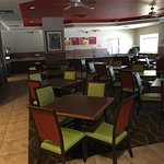 A few photos of the comfort suites maingate east great hotel