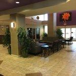 Comfort Suites Maingate East Foto