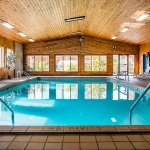 Foto van Cherrywood Lodge - Econo Lodge Inn & Suites