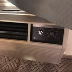 80-style air conditioner that doesn't work