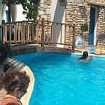 Aloni Hotel Photo