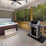 Back deck of the Cedar cottage