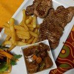 Photo de Lola's Tapas and Carnivore Restaurant
