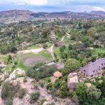 Maisons d'hotes integrees dans le paysage/ Guest houses as part of the natural landscape