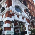 Photo de The Milestone Hotel