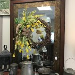 Several mirrors & floral items