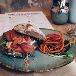 Een lekkere sandwich met parmaham!