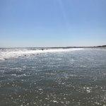 Photo de Waves Oceanfront Resort