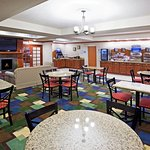 Foto de Holiday Inn Express Hotel & Suites East Lansing