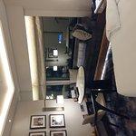 Photo de Shangri-La's Eros Hotel