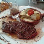 faux filet de bœuf de l'Aubrac avec aligot et petit artichaut