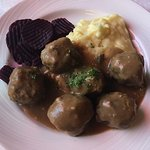 Finnish traditional meatballs with mashed potatoes and beets. Perfect!