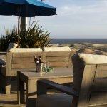 Cómodos deck   exteriores mirando el mar