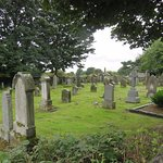 Cairneyhill Parish Church and Graveyard